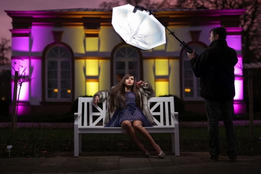 Das Lichtsetup: ein handgehaltener Schirm