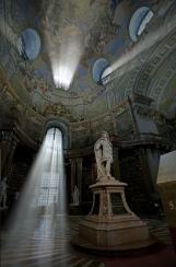 Photoshop-Strahlenbüschel in der alten Bibliothek in Wien