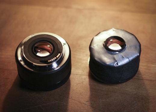 Links: normale Linse (EF 50 STM), rechts: gehackte Linse (EF 50 f/1.8 II).)