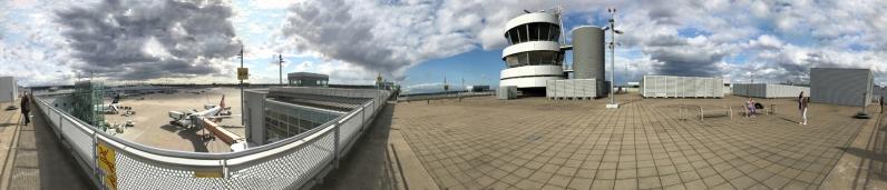 Pano Flughafen Düsseldorf, mit dem Smartphone aufgenommen